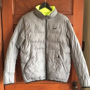 2 coats in 1 Nike reversible down coat size Medium